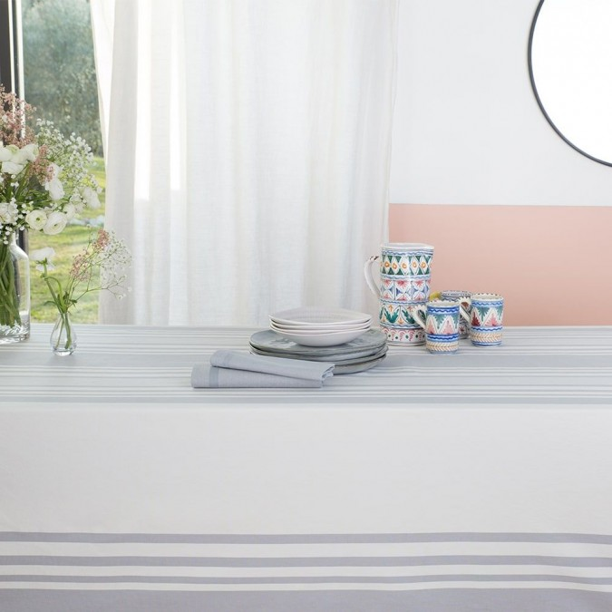 Classic and elegant Ascain cotton tablecloth