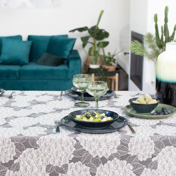 Trendy Bilbatu tablecloth in Jacquard weave