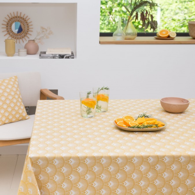 Tablecloth with ramages patterns and mango color