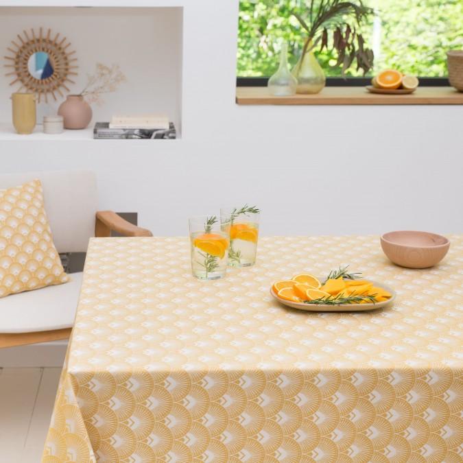 Nappe de table aux motifs ramages et couleur mangue