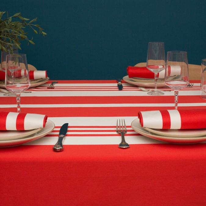 Red tablecloth Pampelune and 100% cotton