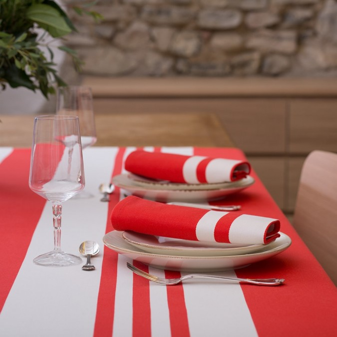 Tablecloth Pampelune in red colour
