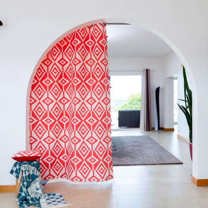 Artez curtain in red Jacquard weave