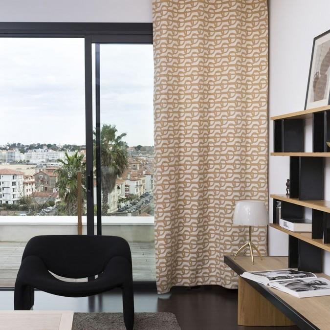 Cortina tejida en Jacquard y diseño de Amarra Sable