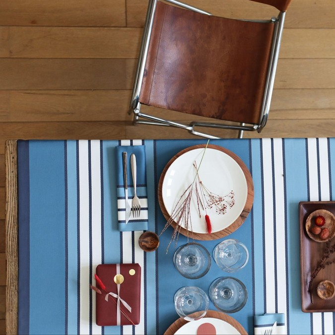 tablecloth blue espelette