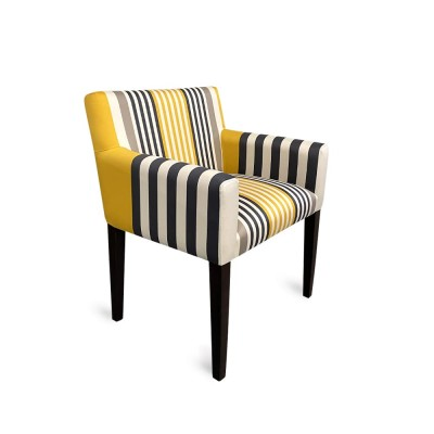 fauteuil tapissé jaune rayé