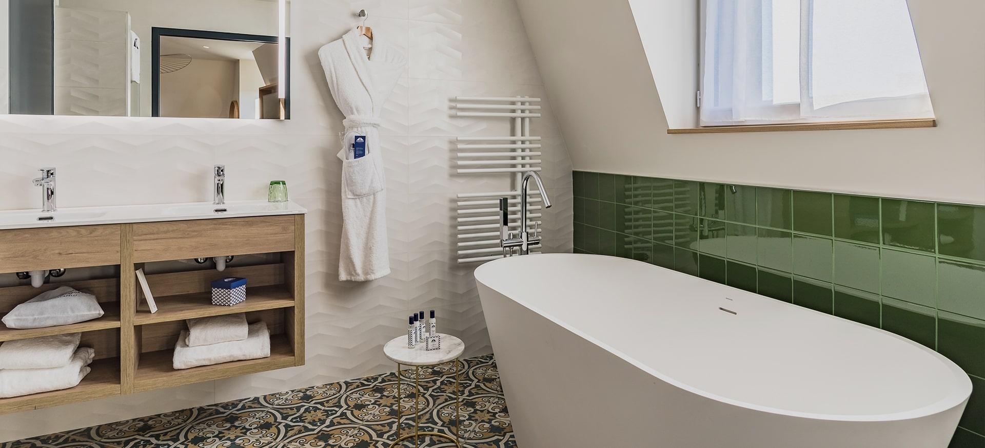 Buy Bath Linen Online See The Jean Vier Range Of Basque Linen Bath Sheet Bath Towel Wash Gloves Bathroom Towel